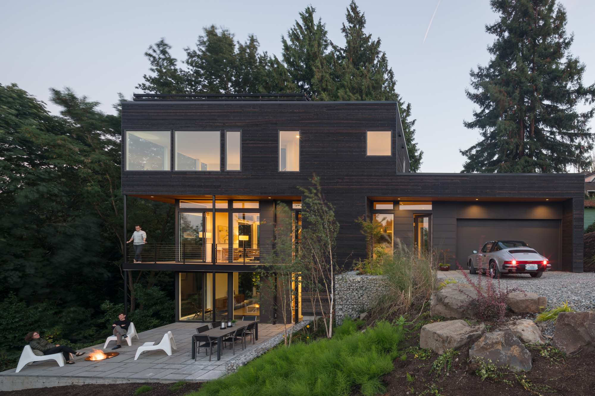Hill House, Hybrid Architecture