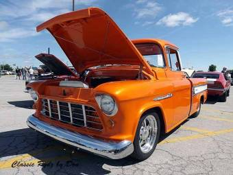 Chevy Task Force Trucks - Tri City Cruisers Show 43016-021 - Hot Rod