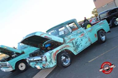 SteveFern - That Hot  Dog Place October 2016 Cruise Night 015 - Hot Rod Time that-hot-dog-place-october-2016-cruise-night-031_thumbnail