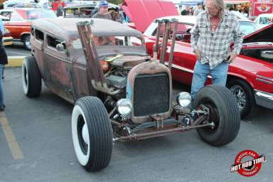 SteveFern - Burger Stop October 2016 Cruise Night 054 - Hot Rod Time burger-stop-october-2016-cruise-night-072_thumbnail