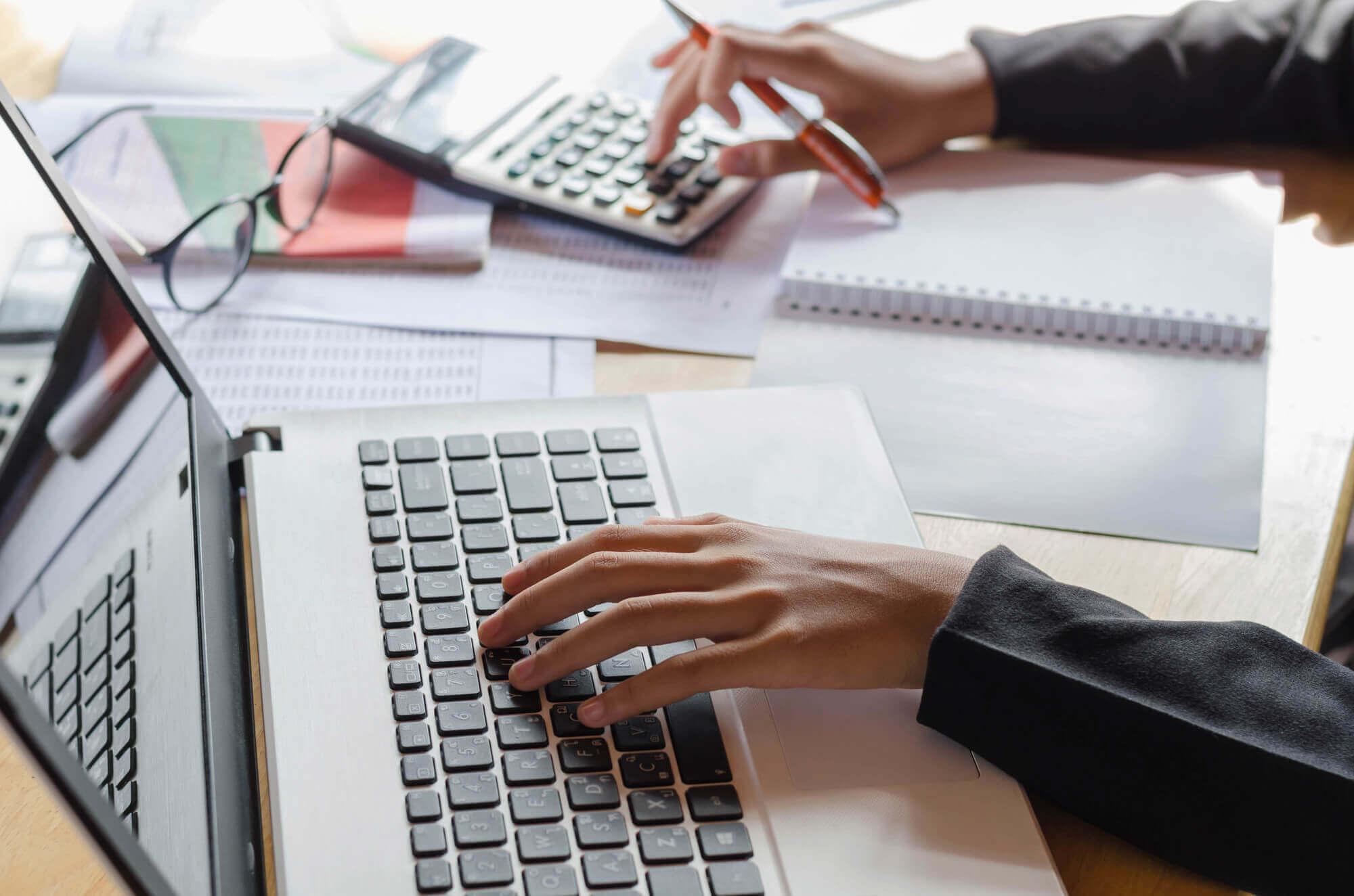 Como escolher o sistema de gestão online ideal para sua loja
