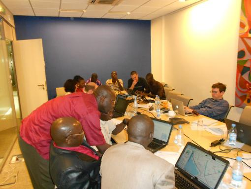 Participants from the Casamace region in Senegal are helping each other learn how to sign up for OSM