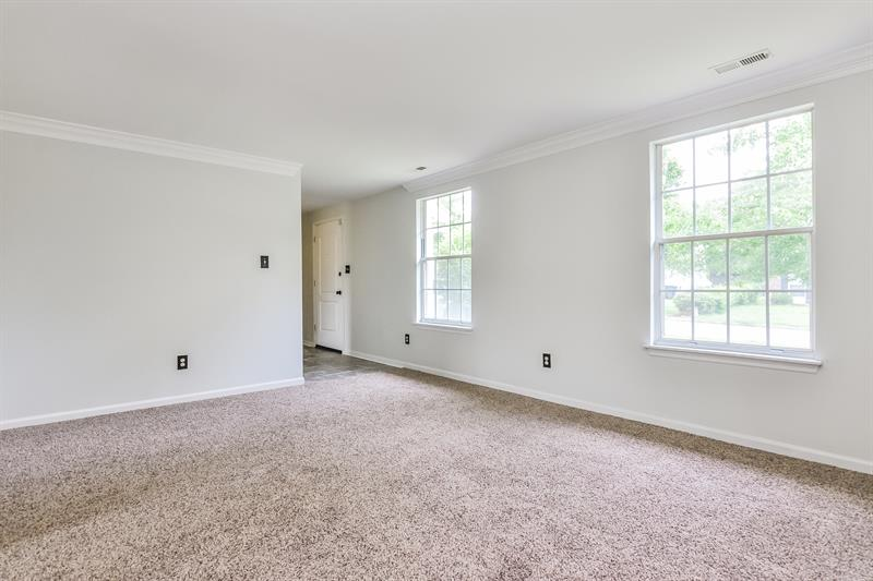 Photo of 1921 River Knoll Dr, Raleigh, NC 27610