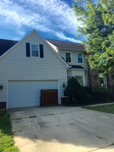 Photo of 4012 Deerfield St, High Point, NC, 27265