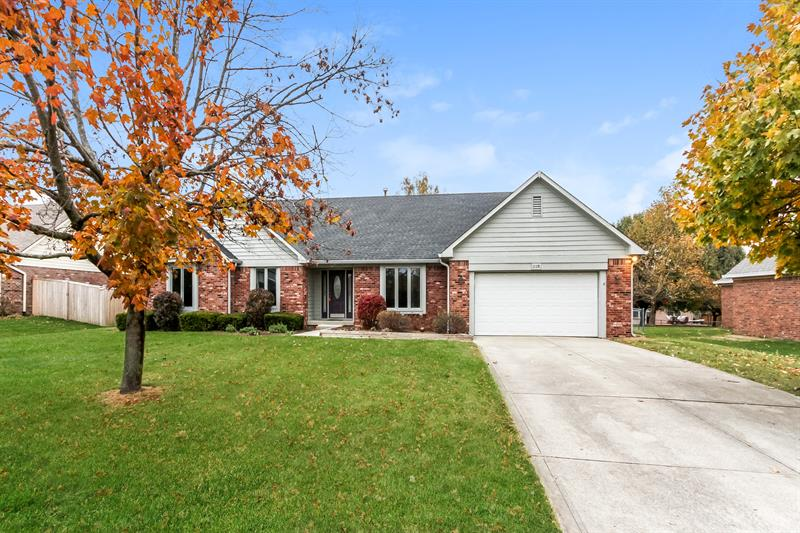 Photo of 12328 Huntington Dr, Indianapolis, IN 46229