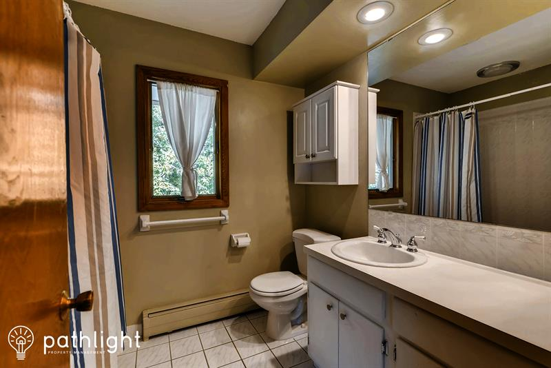 Photo of 1400 Parks Hills Court, Woodbury, MN, 55125