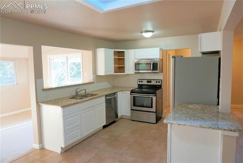 Photo of 625 Rowe Ln, Colorado Springs, CO, 80911