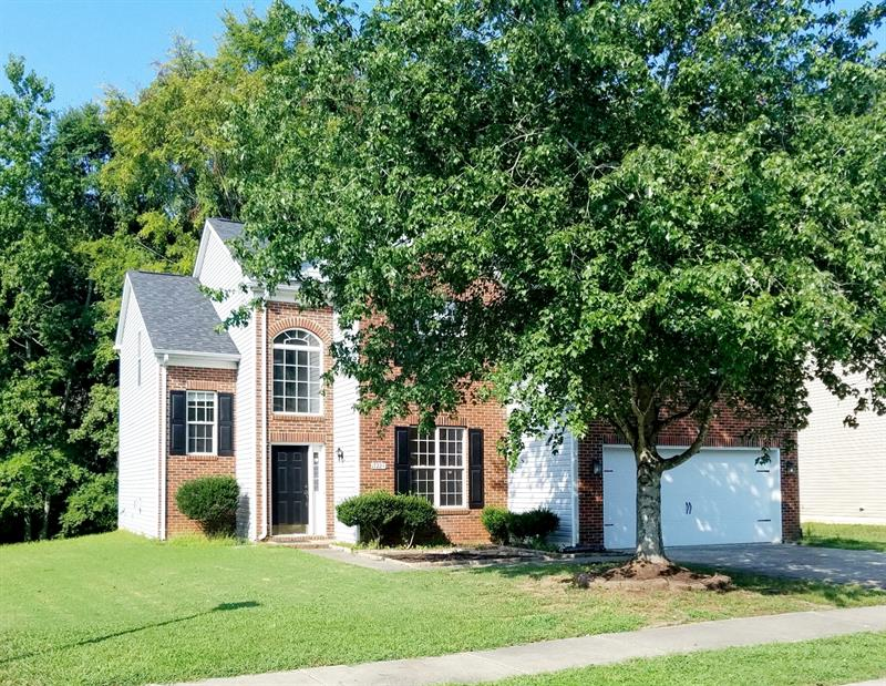 Photo of 17224 Cambridge Woods Ct, Charlotte, NC 28277