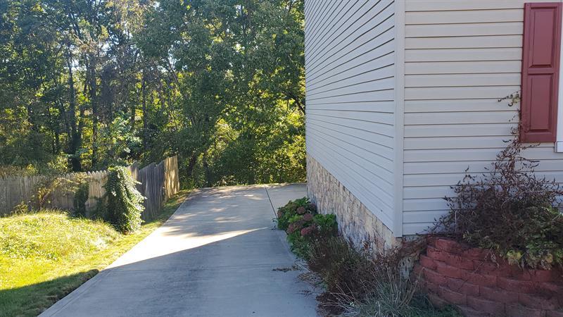 Photo of 1128 Huntsridge Dr , Crescent , PA , 15046