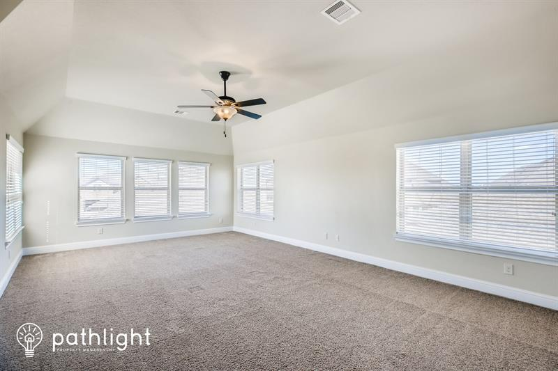 Photo of 2975 Holbrook Valley Ln, League City, TX, 77573