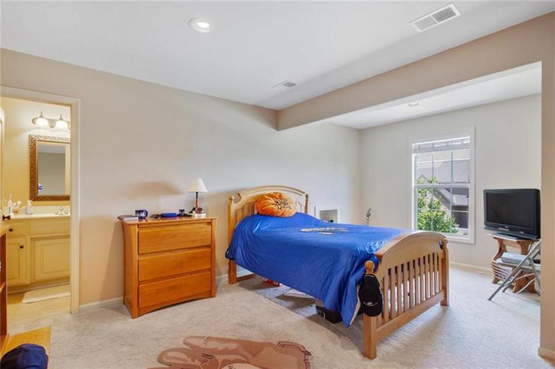 Photo of 18645 West 165th Terrace, Olathe, KS, 66062