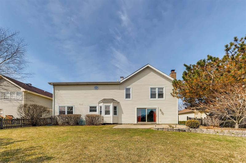Photo of 439 Chesterfield Ln, Vernon Hills, IL, 60061