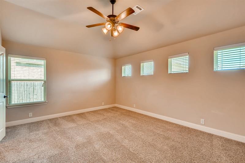 Photo of 905 Ponderosa Drive, Oak Point, TX, 76227