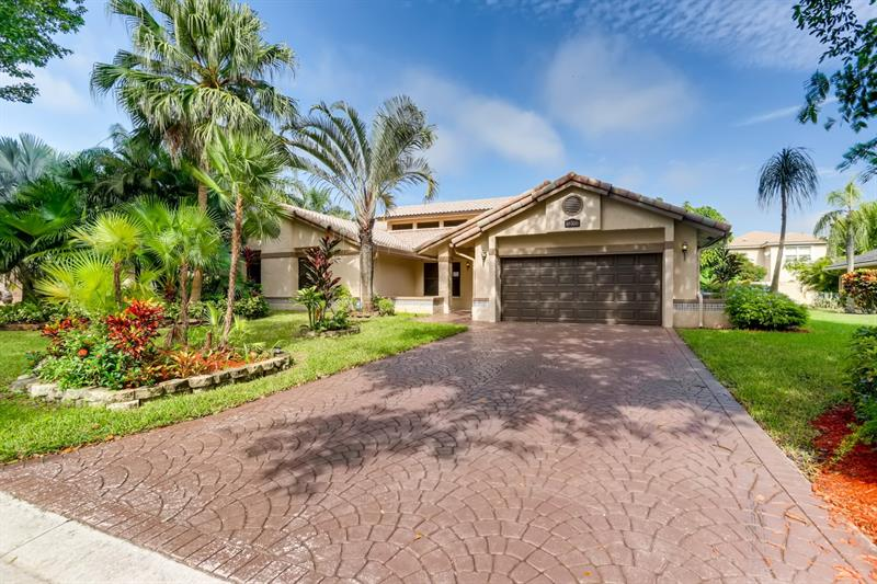 Photo of 10355 NW 6th Ct, Coral Springs, FL, 33071