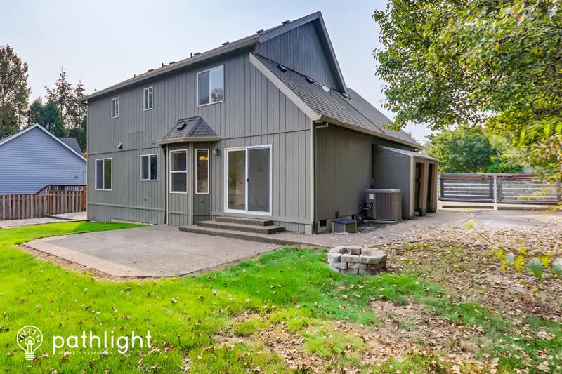 Photo of 2056 NE Coburn Dr, McMinnville, OR, 97128