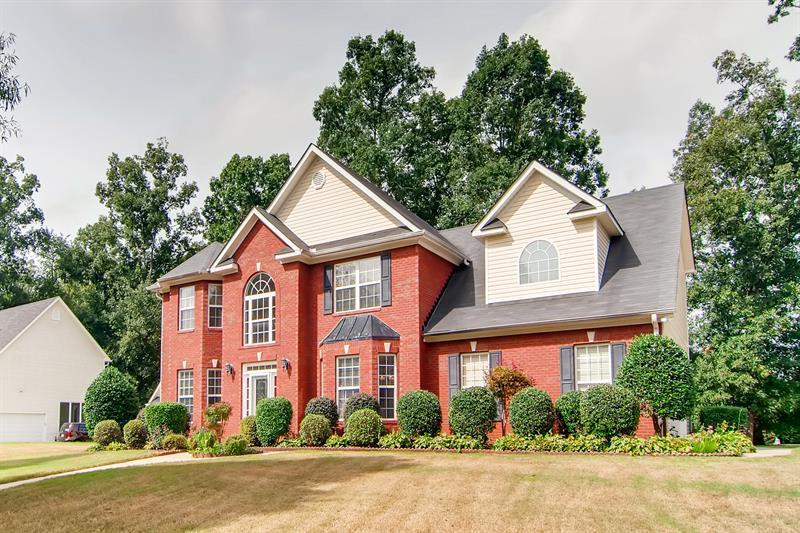 Photo of 501 Lawrence Ln, Hampton, GA 30228