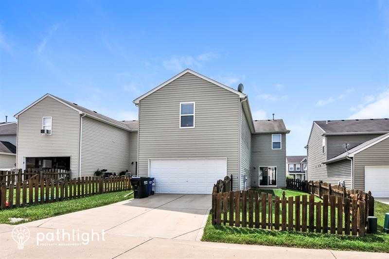 Photo of 2022 Village Glen Dr, Wentzville, MO, 63385