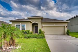Home for rent in Grand Island, FL
