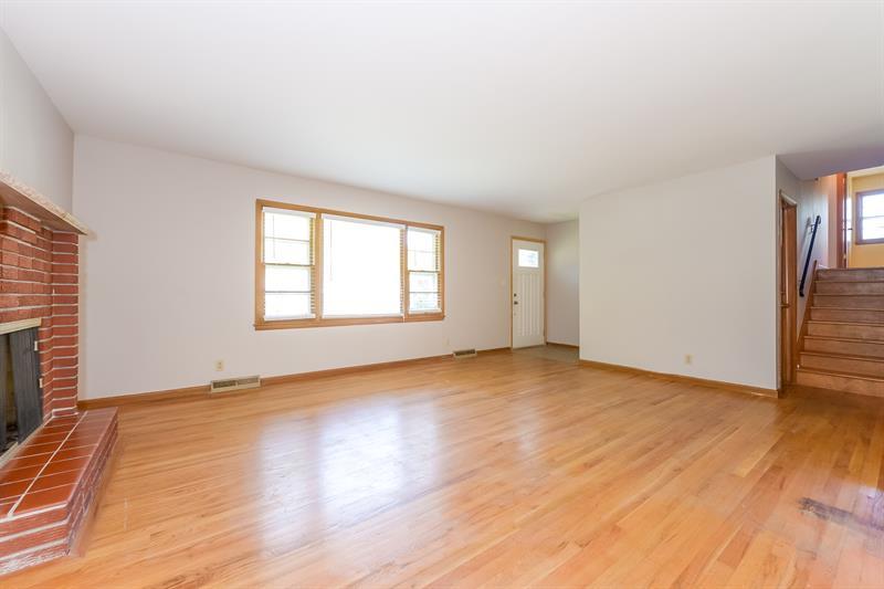 Photo of 8319 W 91st Terrace, Overland Park, KS 66212