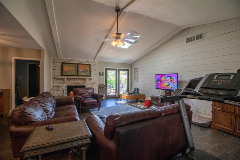 Photo of 1607 College Pkwy, Lewisville, TX, 75077