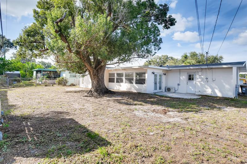 Photo of 1727 Thames Street, Clearwater, FL, 33755