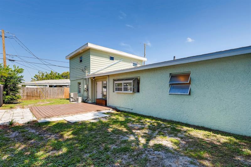 Photo of 6008 49th Avenue North, Kenneth City, FL, 33709