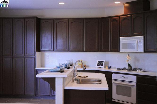 Photo of 660 Saffron Dr, Tracy, CA, 95377