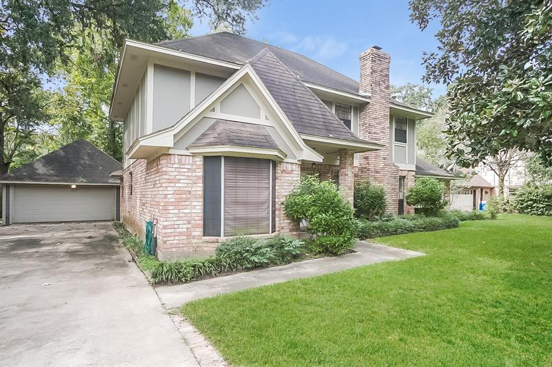 Photo of 131 Arrow Wood Street, Lake Jackson, TX 77566
