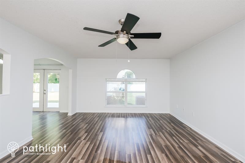 Photo of 10511 Maronda Drive, Riverview, FL, 33578