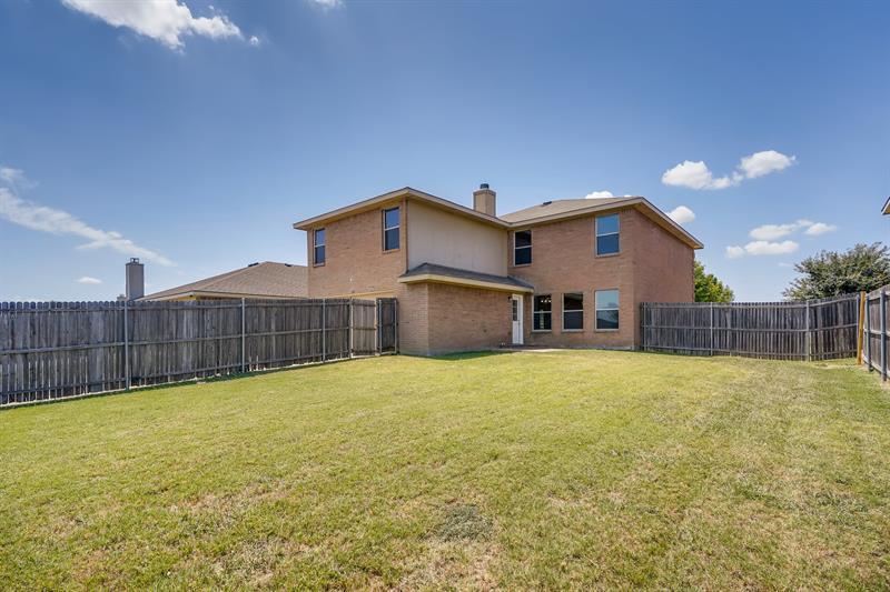 Photo of 834 Smokey Oak Street, Lancaster, TX, 75146