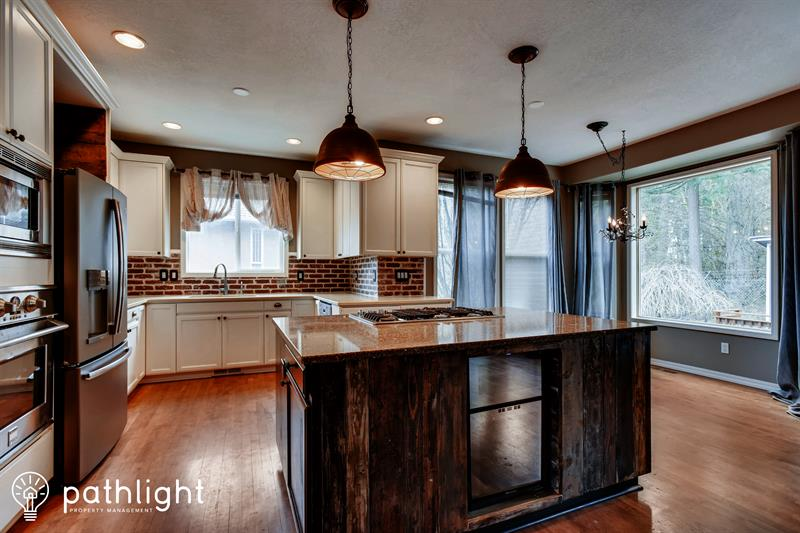 Photo of 14475 Southeast Summit Court, Clackamas, OR, 97015