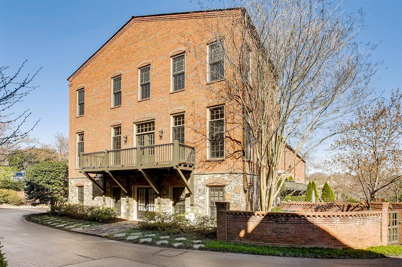 Photo of 150 Founders Mill Ct, Roswell, GA, 30075