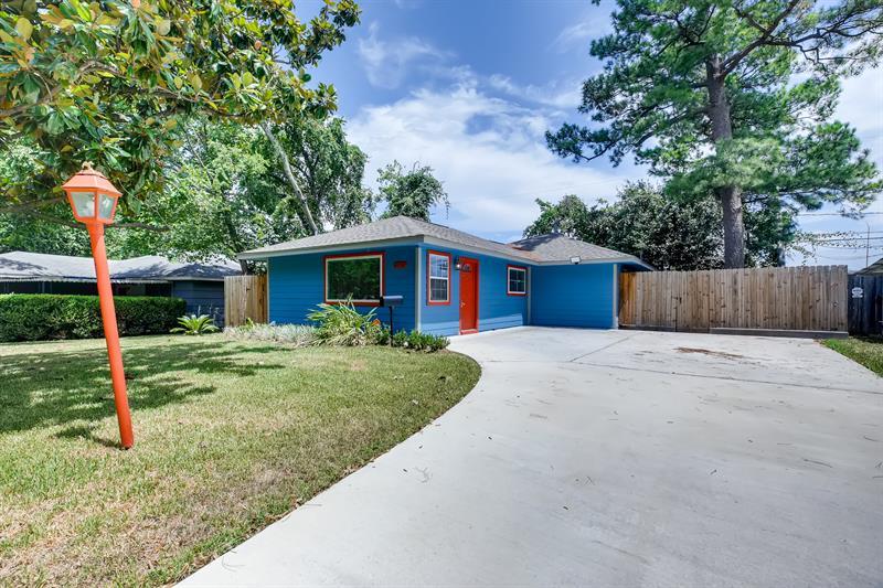 Photo of 2526 Roy Circle, Houston, TX 77007