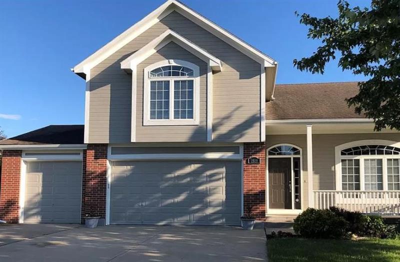 Photo of 1519 Saddlebrook Rd, Raymore, MO, 64083