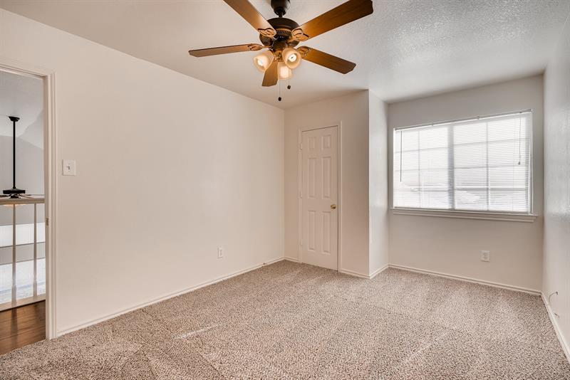 Photo of 814 Forest Oaks Drive, Grand Prairie, TX, 75052