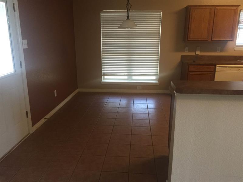 Photo of 3401 Newgate St, Midlothian, TX 76065
