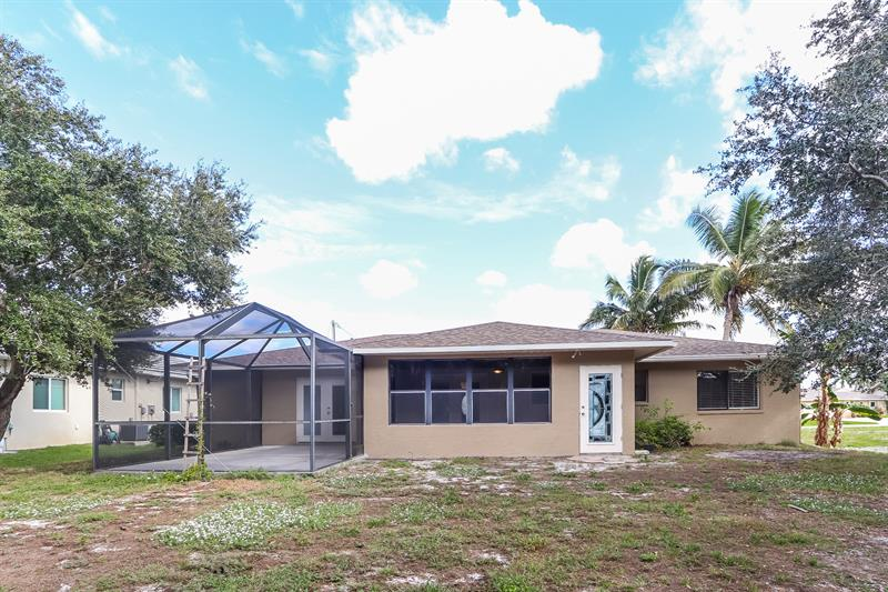 Photo of 5022 SW 13th Ave, Cape Coral, FL, 33914