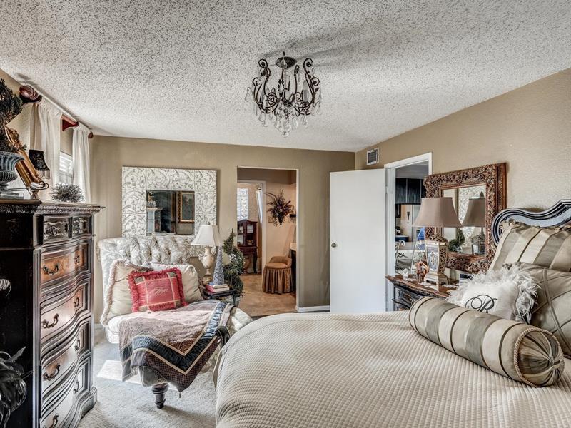 Photo of 404 Sage Lane, Euless, TX, 76039