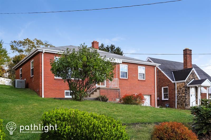 Photo of 412 Bluff Street, Canonsburg, PA, 15317