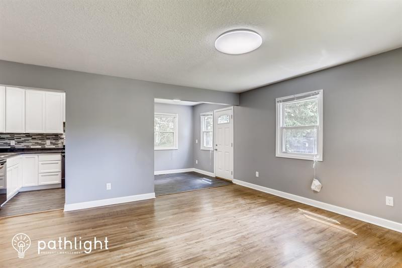 Photo of 1718 English Street, Maplewood, MN, 55109