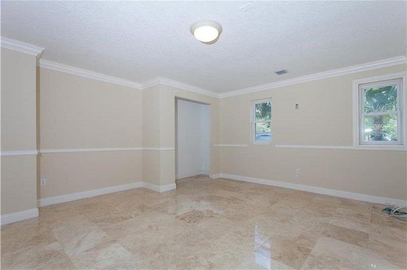 Photo of 8601 SW 174th St, Palmetto Bay, FL, 33157