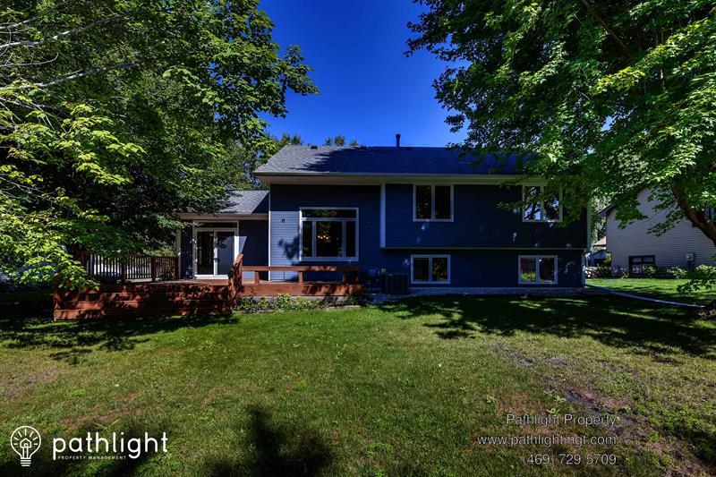 Photo of 15109 Southwind Dr, Burnsville, MN, 55306