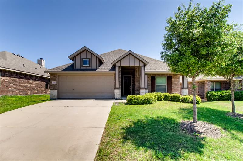 Photo of 208 Chimney Rock Drive, Waxahachie, TX, 75167