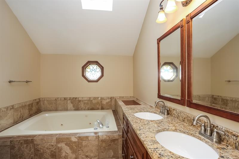 Photo of 750 Cardigan Court, Naperville, IL, 60565