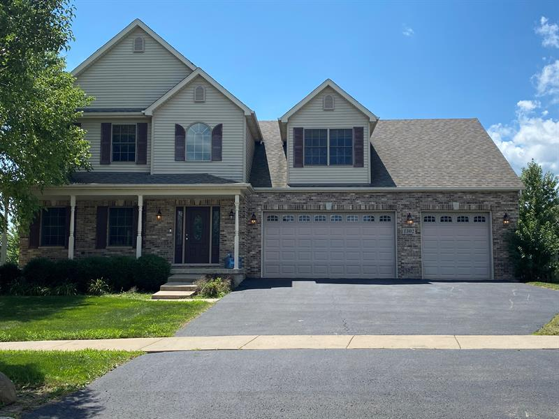 Photo of 1302 Deerpath Drive, Yorkville, IL, 60560