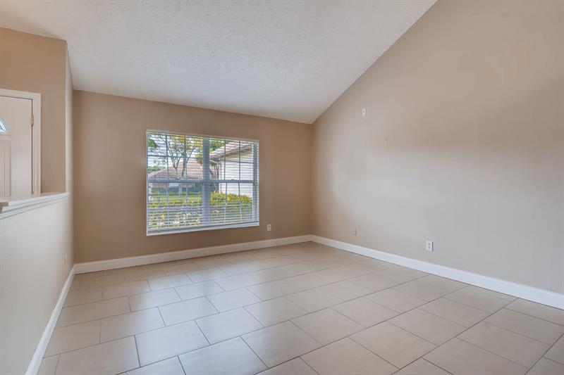 Photo of 1232 Carrie Wood Drive, Valrico, FL, 33596