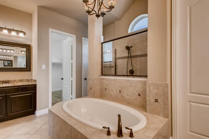 Photo of 9725 Bowman Drive, Fort Worth, TX 76244
