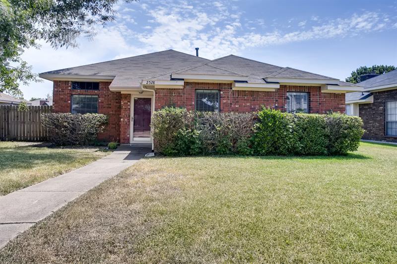 Photo of 2528 Widgeon Way, Mesquite, TX 75181