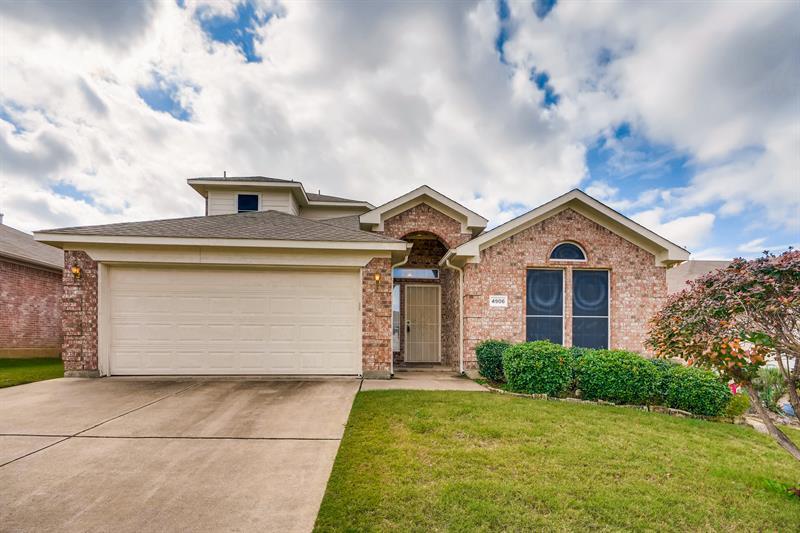 Photo of 4906 Saddlehorn Drive, Arlington, TX, 76017