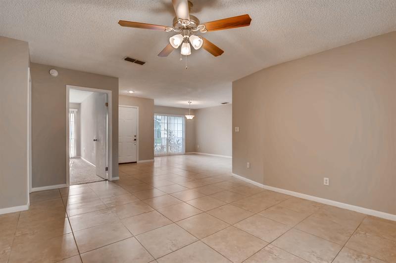 Photo of 10113 Tarragon Dr, Riverview, FL, 33569